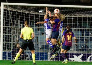 Momento del segundo gol del Sporting, de Van der Gragt en propia puerta. / Foto: www.lfp.es.