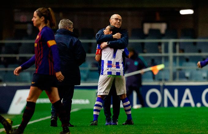 En el recuerdo del Sporting está su gran triunfo en Barcelona en la pasada temporada.