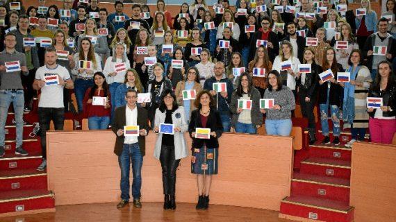La UHU da la bienvenida a cerca de 300 estudiantes internacionales