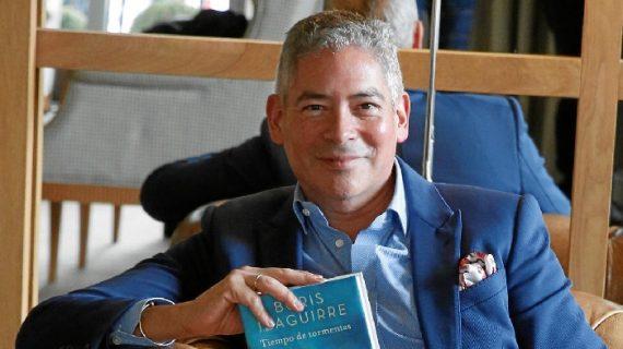 Boris Izaguirre presenta su nueva novela 'Tiempo de tormentas' en la UHU