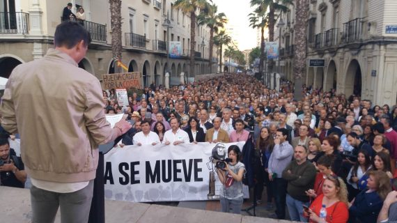 Huelva se moviliza en una multitudinaria manifestación por las infraestructuras de la provincia