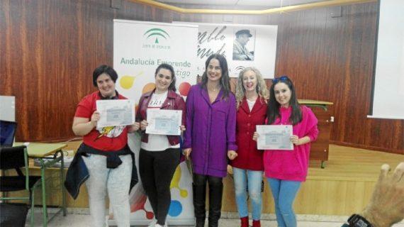Las sanjuaneras Patricia Gil y Noelia Núñez ganan el premio al mejor guión en 'Móntate tu película'