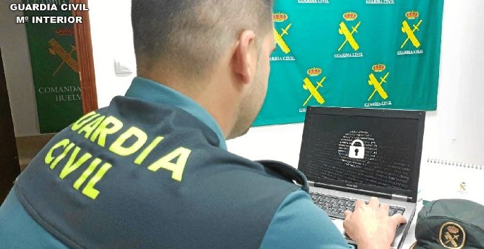 Detenido un varón que estafó 55.000€ a través de internet con el método phising