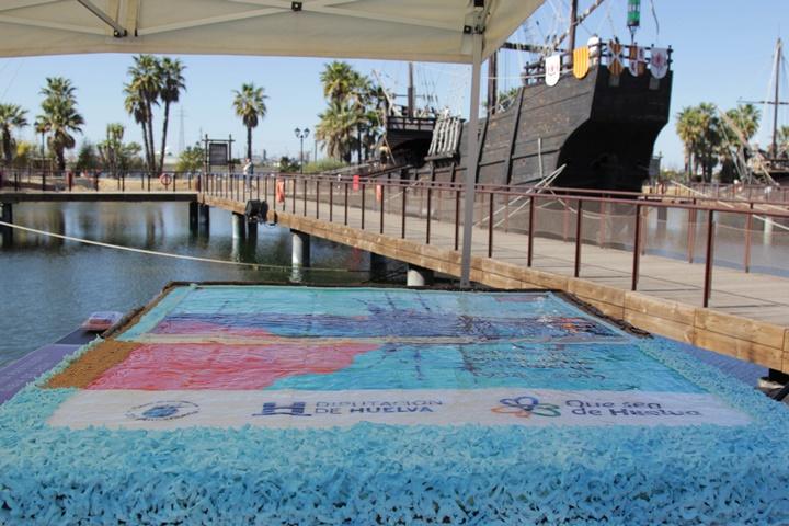 Onubenses y foráneos disfrutan del Muelle de las Carabelas en su 25 aniversario