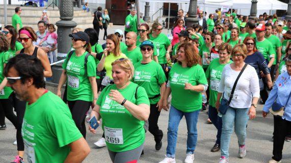 Más de 500 personas participan en la Marcha Solidaria contra el Cáncer en Cartaya