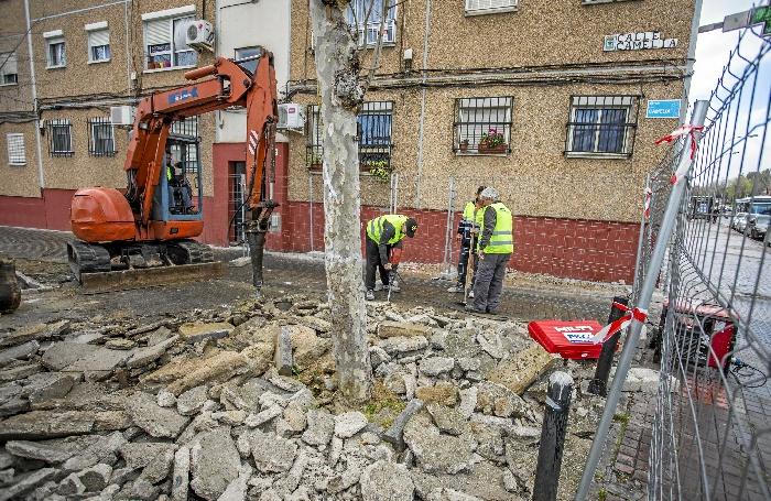 Arrancan las obras para renovar completamente la calle Camelia de El Torrejón
