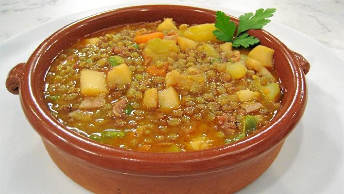 Canal Sur propone este viernes una cazuela de lentejas con chocos de Huelva
