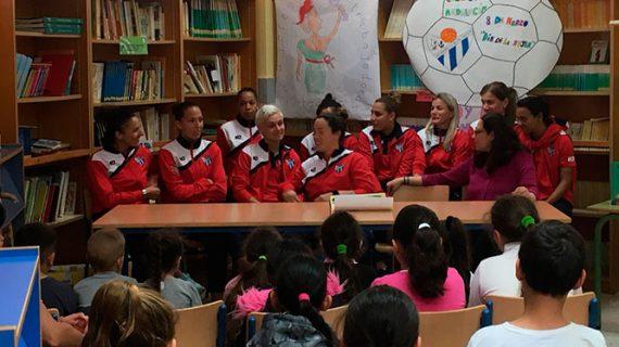 El Sporting Puerto de Huelva reivindica el 8M en sus visitas a colegios en Palos de la Frontera y en la capital