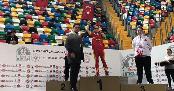 Una sensacional Blanca Betanzos logra el oro en los 60 metros y la plata en longitud en el Campeonato de Europa de Atletismo en Pista Cubierta INAS