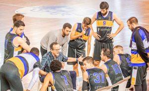 Gabriel Carrasco, entrenador del CDB Enrique Benítez, quiere un equipo fuerte en defensa. / Foto: C. Verdier.