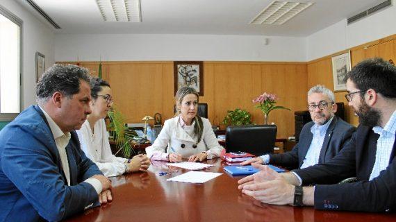 Colegio Oficial de Peritos e Ingenieros Técnicos Industriales de Huelva se reúnen con Bella Verano