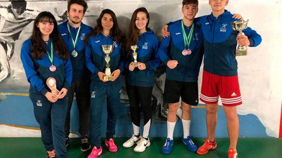 Diez medallas fue la conquista del Club Esgrima Huelva en la IV Copa de Andalucía