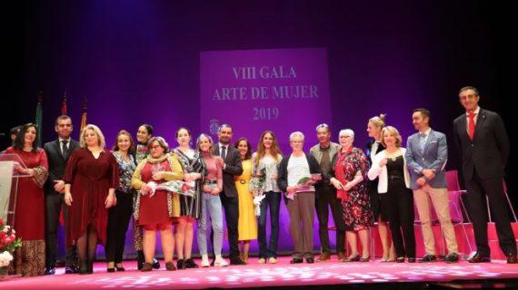 Una emotiva Gala de Mujer rindió homenaje a un grupo de moguereñas comprometidas con la lucha por la igualdad