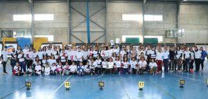 Foto de familia de las 102 participantes en el torneo celebrado en San Juan del Puerto.