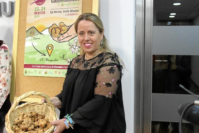 El Almendro muestra sus bondades culinarias en la XI Feria Gastronómica de El Andévalo