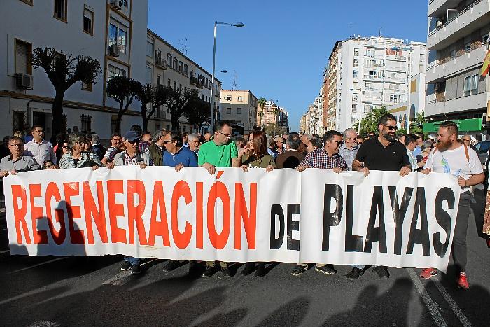 Manifestación por las infraestructuras en Huelva 15-M