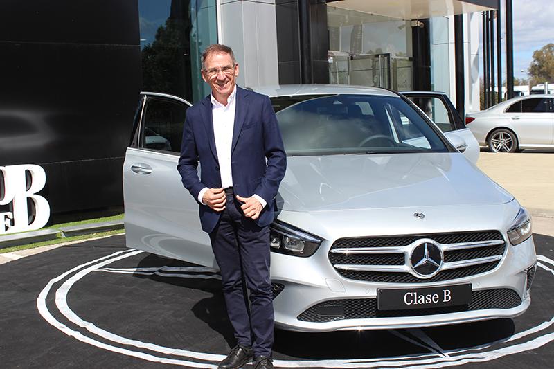Huelva da la bienvenida al nuevo Mercedes-Benz, el modelo más tecnológico y dinámico hasta ahora