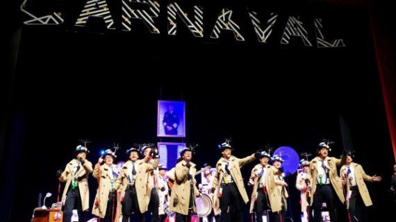 Teatro abarrotado en la final del Concurso de Carnaval de Valverde del Camino