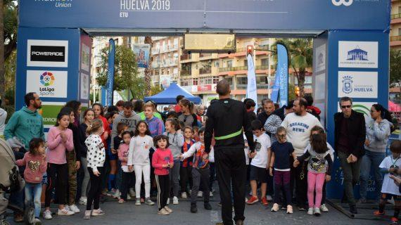 Más de 100 niños y medio millar de personas disfrutaron Music Run Huelva 2019