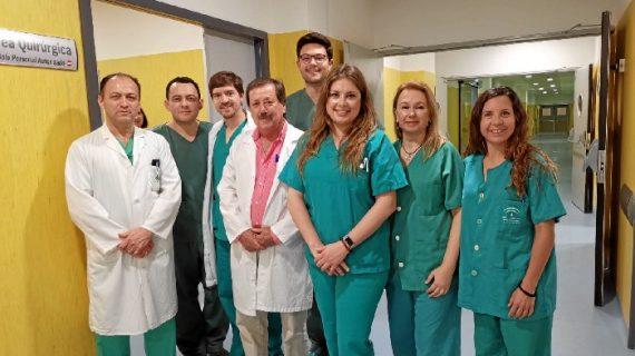 Traumatólogos del Infanta Elena reciben un premio por un estudio sobre cirugía de la artrosis o inestabilidad del pulgar