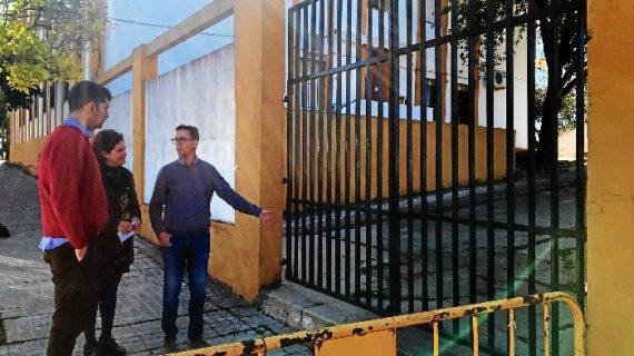 Valverde del Camino celebra el inicio inminente de las obras para arreglar el muro perimetral del CEIP Los Molinos