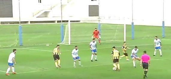 San Roque y Los Barrios hacen del fútbol un espectáculo y empatan (4-4) en un partido de locura
