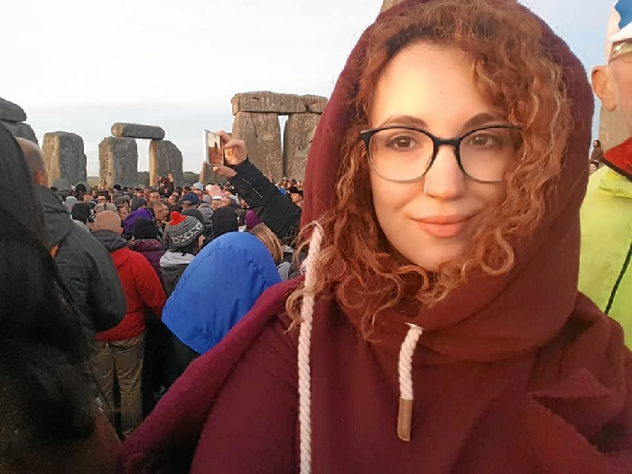La historiadora onubense Elena Caetano ultima su doctorado y ejerce la docencia en la Universidad de Birmingham