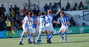 Las jugadoras del Sporting celebran el tanto de Anita. / Foto: www.lfp.es.