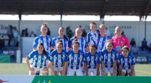 Formación inicial del Sporting Puerto de Huelva en el partido de este martes ante el Real Betis Féminas. / Foto: www.lfp.es.