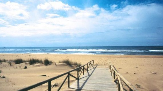 La revista 'Traveler' invita a sus lectores a dar un paseo por 5 de los municipios más bellos de Huelva
