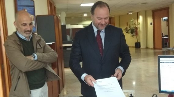 José Luis García-Palacios Álvarez formaliza su candidatura a la presidencia de la FOE