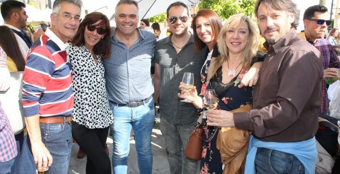 La Muestra de Habas con Poleo convoca a unas tres mil personas en la plaza de España de La Palma