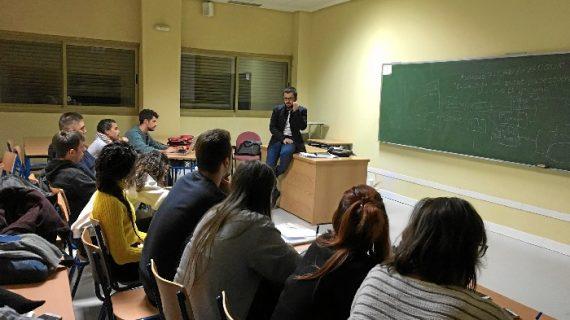 José Ramón Macías, de educador en la Ciudad de los Niños a docente en la Onubense