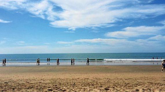 'El Periódico' destaca las 5 mejores playas de Huelva para el primer baño de sol del año
