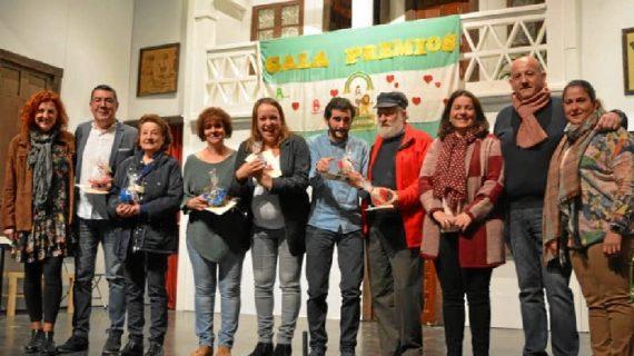 El colegio de San Bartolomé reconoce a los bartolinos comprometidos por el Día de Andalucía