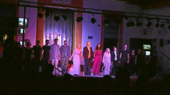 La obra 'Esto no lo entiende ni Dios', acerca el teatro femenino a Lucena del Puerto