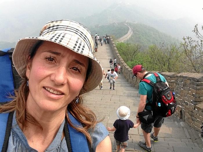 La onubense Vivian García Morón ejerce como profesora por medio mundo, inculcando su pasión por el deporte