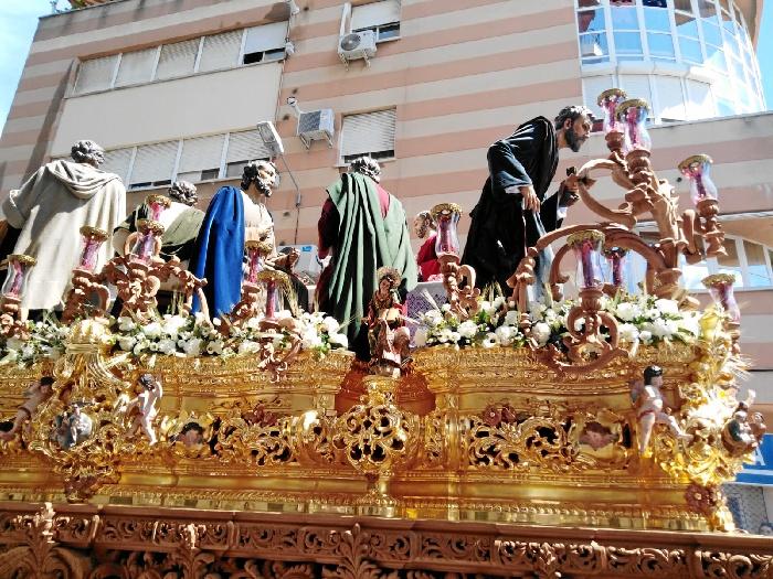 La Sagrada Cena abre el Domingo de Ramos en Huelva en un día primaveral espléndido