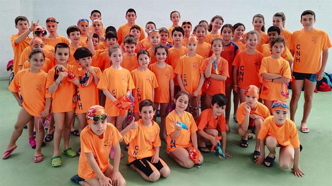 Gran éxito de participación y público en la tercera jornada del programa de natación de La Provincia en Juego