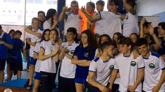 El CN Huelva reedita por tercer año consecutivo el título de campeón provincial Absoluto de natación