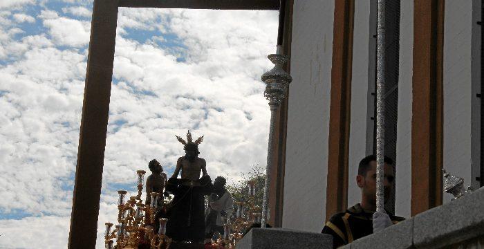 Huelva recibe a la Hermandad de los Mutilados en una multitudinaria salida, motivada por su dificultad