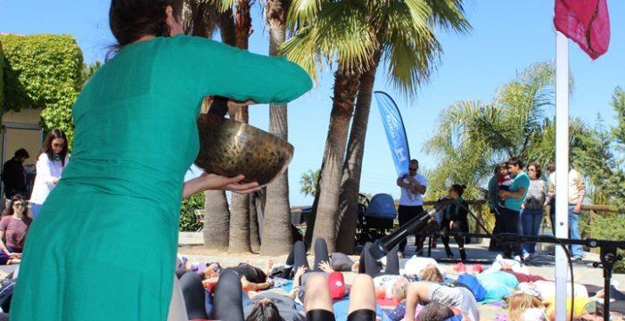El Parque Botánico Celestino Mutis acoge la jornada 'Encuéntrate' de yoga y bienestar para toda la familia