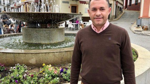 José Enrique Borrallo se compromete a recuperar proyectos de mejora de la línea Zafra-Huelva