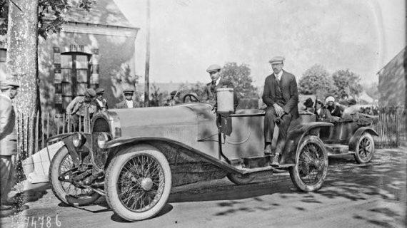El primer automovil con matricula de Huelva, el H-1, fue un Chenard Walker 'Torpedo'
