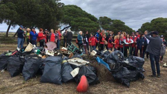 Marismas del Odiel aumenta las acciones para hacer frente al abandono de residuos