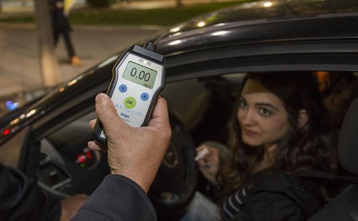 Los onubenses con tasas de 0,0 alcohol al volante, premiados con 30 vales de gasolina