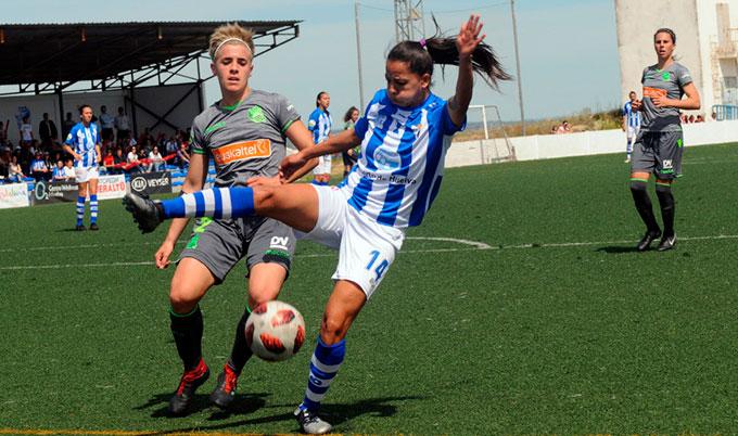 Tras el empate en casa ante la Real Sociedad, el Sporting si gana en el campo del Espanyol seguirá en la Liga Iberdrola. / Foto: www.lfp.es.