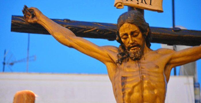 La centenaria Hermandad de la Buena Muerte inaugura el Jueves Santo de Huelva