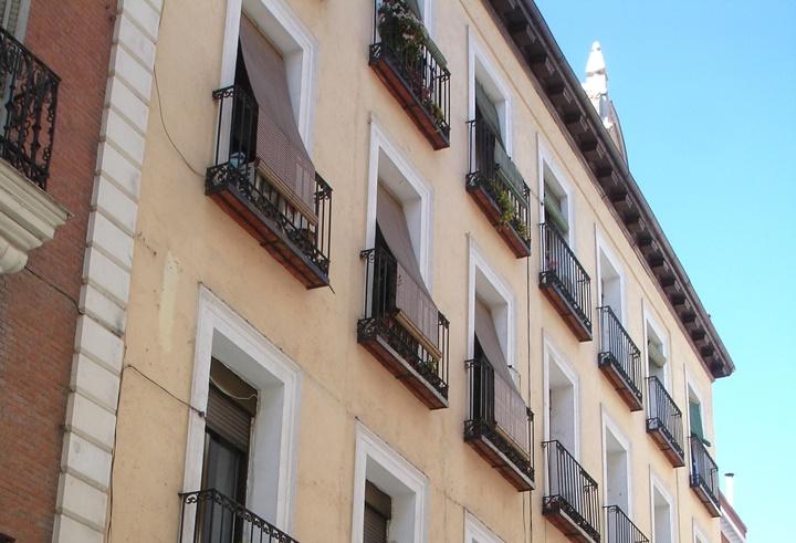 """Un onubense halla el balcón por el que suspiraba Bécquer: """"Volverán las oscuras golondrinas"""""""