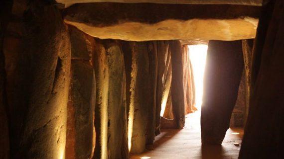 El Dolmen de Soto continúa mejorando su estado de conservación